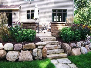 fieldstone-boulder-wall
